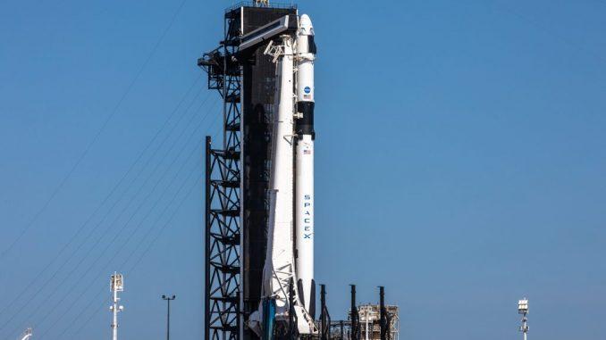 SpaceX Falcon 9 roketi görseli