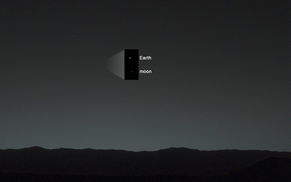 Curiosity'nin Mars'tan çektiği Dünya ve Ay fotoğrafı