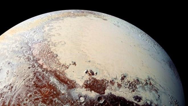 plüton'un new horizons tarafından çekilmiş fotoğrafı