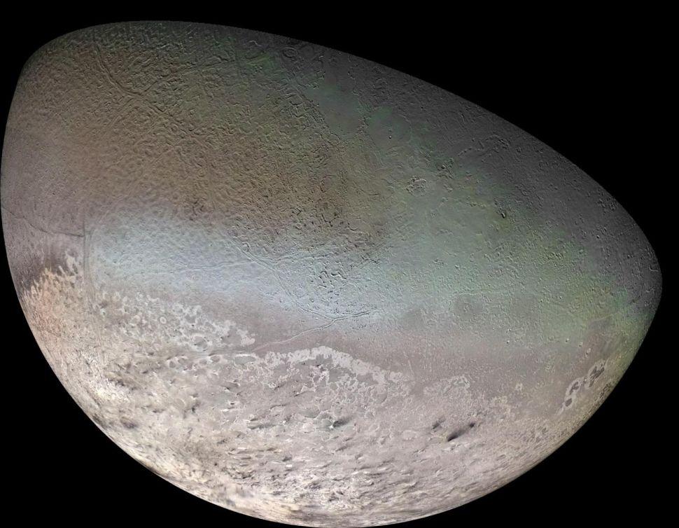 Triton'un 1989'da Voyager 2 tarafından çekilmiş fotoğrafı