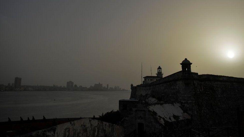 Havana(Küba)'nın dev toz bulutunun geçişi esnasındaki fotoğrafı