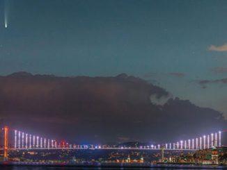 Neowise kuyruklu yıldızının İstanbul'da çekilmiş fotoğrafı